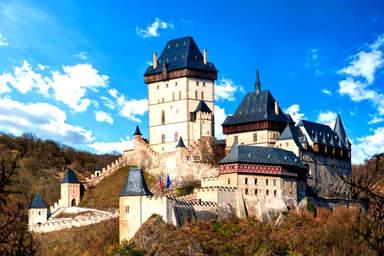 Замок - крепость Карлштейн