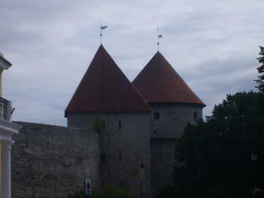 Девичья башня и башня Кик ин де Кек