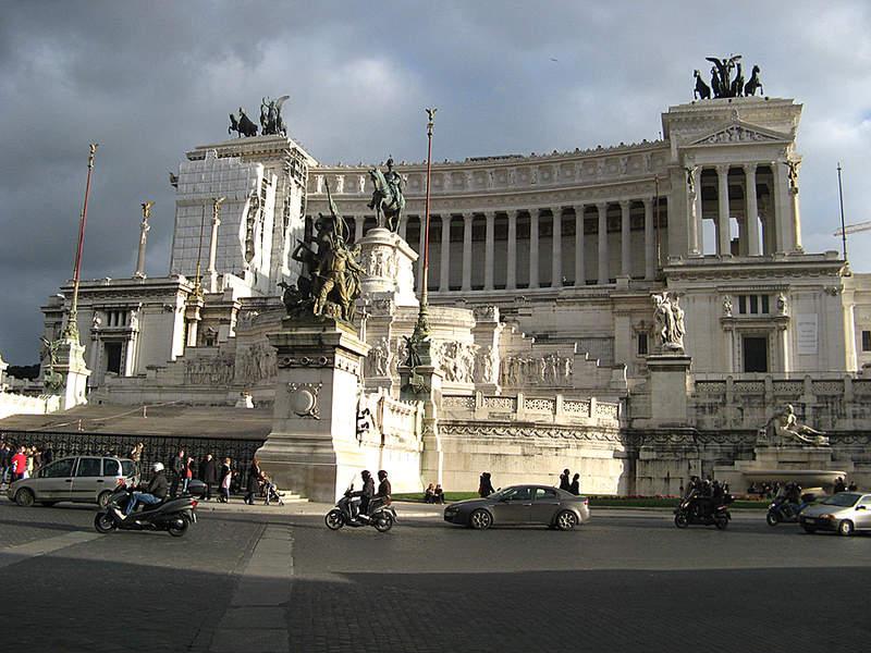 пл.Венеции в Риме