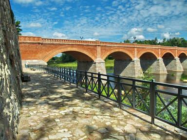 Мост через Венту