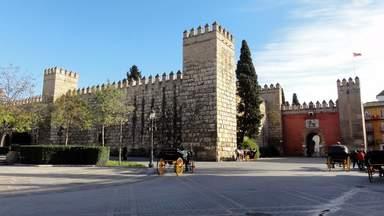 Алькасар (королевский дворец) в Севилье