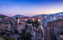 Парящие в облаках монастыри