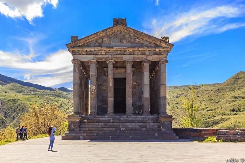 Гарни - языческий храм