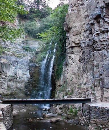 Водопад в ущелье Легвтахеви