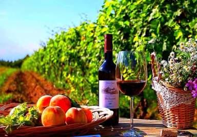 Вино и сладкие фрукты