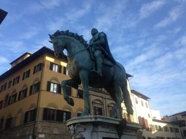 Первый конный памятник Флоренции