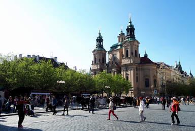 Старомнестская площадь в Праге, костел Святого Николая