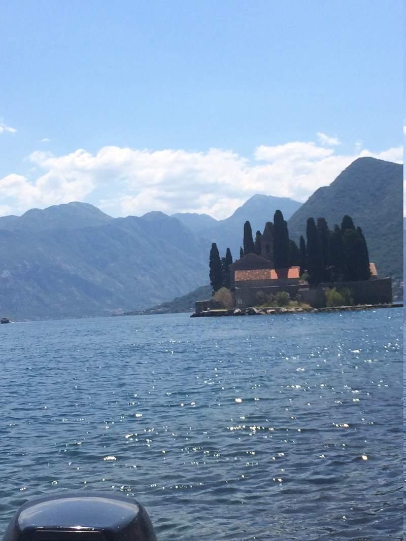островом Св. Георгия ,1166g, бенедиктинское аббатство.