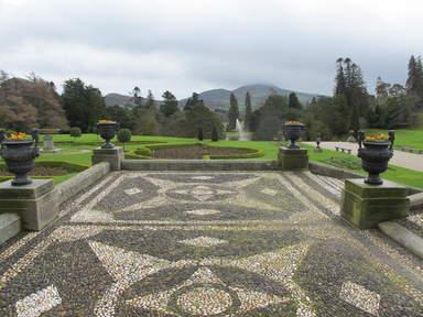 Главная аллея садов Пауэрскорт