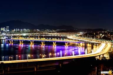 Вид с горы у реки Ханган
