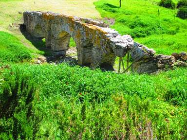 Один из 3х римских акведуктов