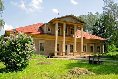 здание бывшей сельскохозяйственной школы