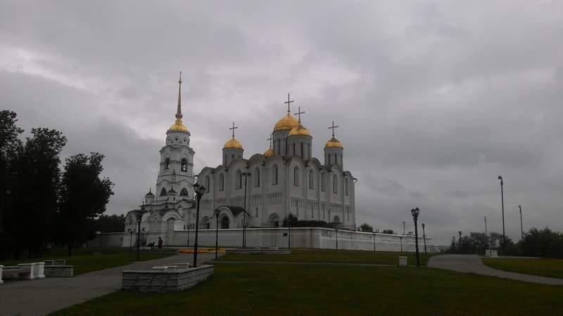 Успенский белокаменный кафедральный собор