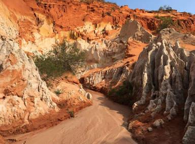 Красный каньон в Муйне