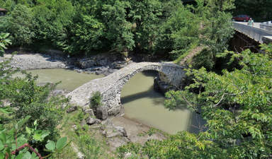 Арочный каменный мост Фуртио