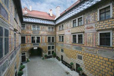 Внутренний двор замка Крумлов