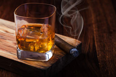 Сигара и ром