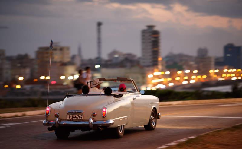 На кабриолете по Гаванской набережной Малекон