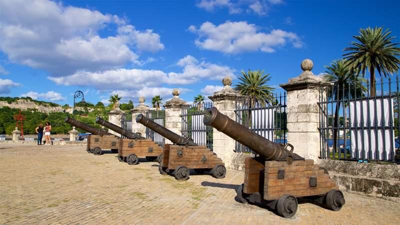 Пушки крепости Реаль Фуэрса