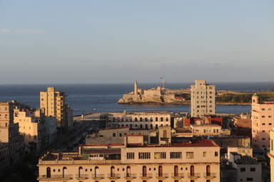Вид на Бульвар Прадо и маяк