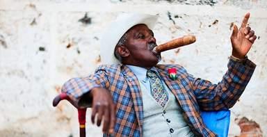 Данди с сигарой