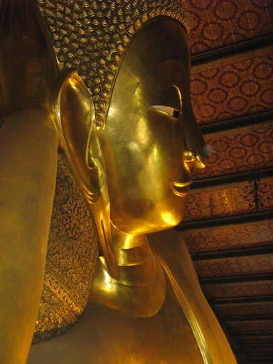 Ват По , самый большой лежащий Будда