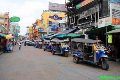 Каосан днем Тук Туки , чисто Бангкокская порода
