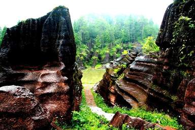 Камень Супроги