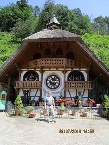 Самые большие в мире часы с кукушкой в книге Гиннесса