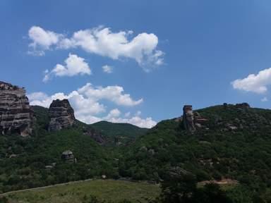Метеора. Вид  из пещеры - монашеской тюрьмы