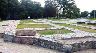 Фундаменты Десятинной церкви (996 - 1240 гг.)