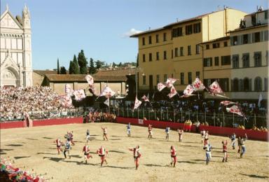 Площадь Санта Кроче 24 июня на день города Флоренции