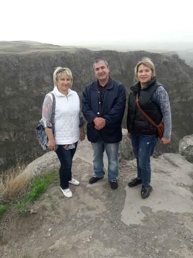 монастырь Сагмосаванк у берега каньона