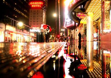 Во время дождя на Голливудском бульваре
