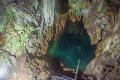 Озеро в пещере