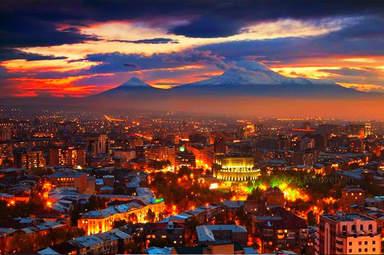 Ереван ночью