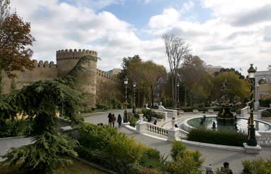 Губернаторский садик и городская стена