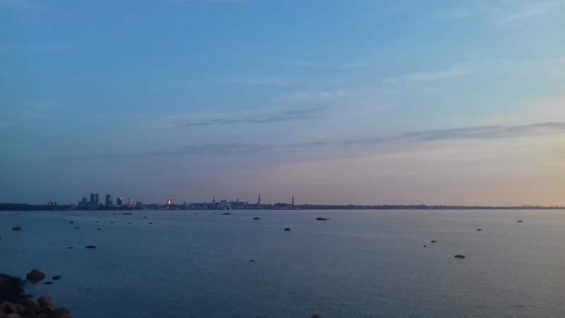 Морской вид на город