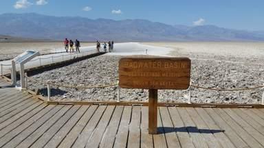 """Долина Смерти, обзорная площадка """"Плохая Вода"""""""