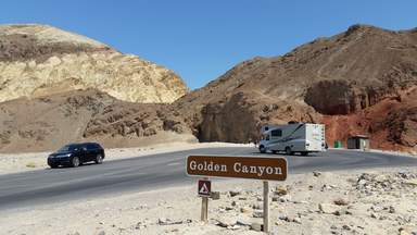 Золотое ущелье в Долине Смерти