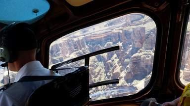 Полет в недрах Западного Отрога Большого Каньона