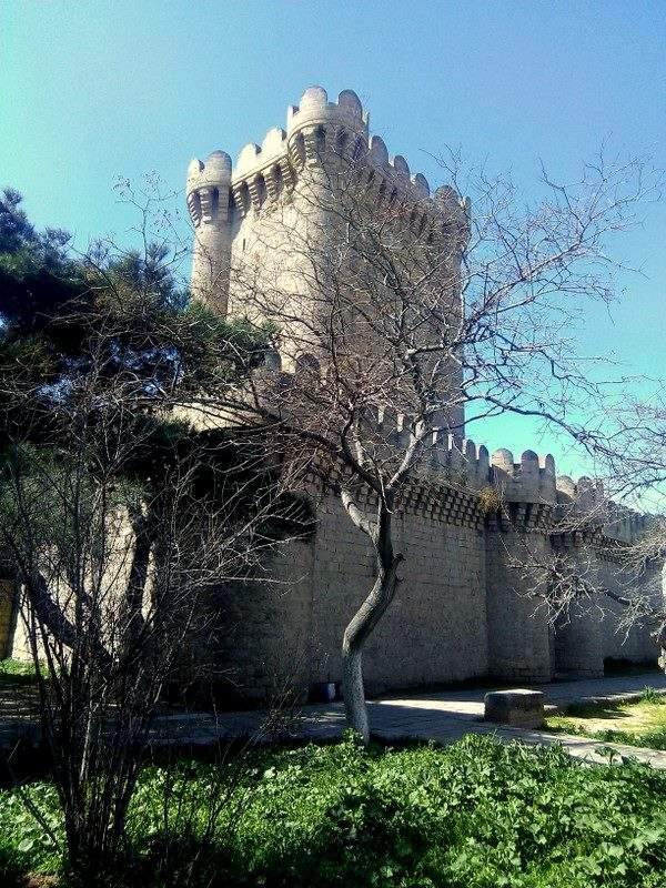 Средневековый донжон 12 века