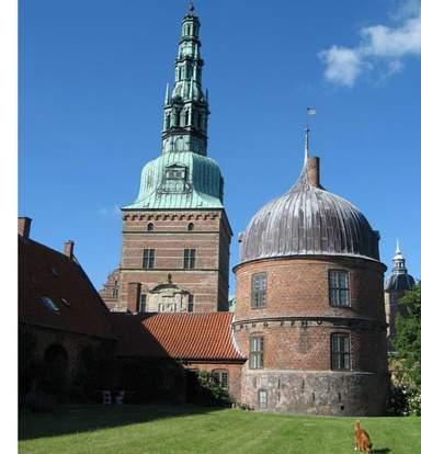Снаружи замка Фредериксборг