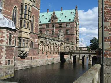 На подходе к замку Фредериксборг