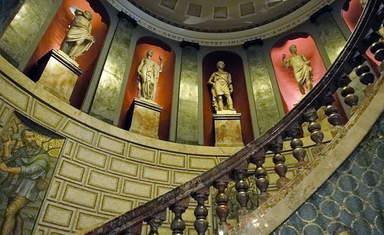 Один из залов Амвросианской пинакотеки