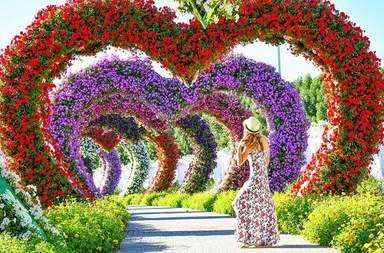 частная экскурсия  'Miracle Garden - Парк Цветов'