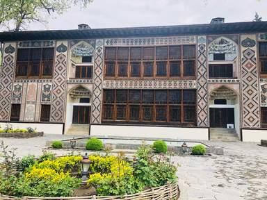 дворец шекиснких ханов