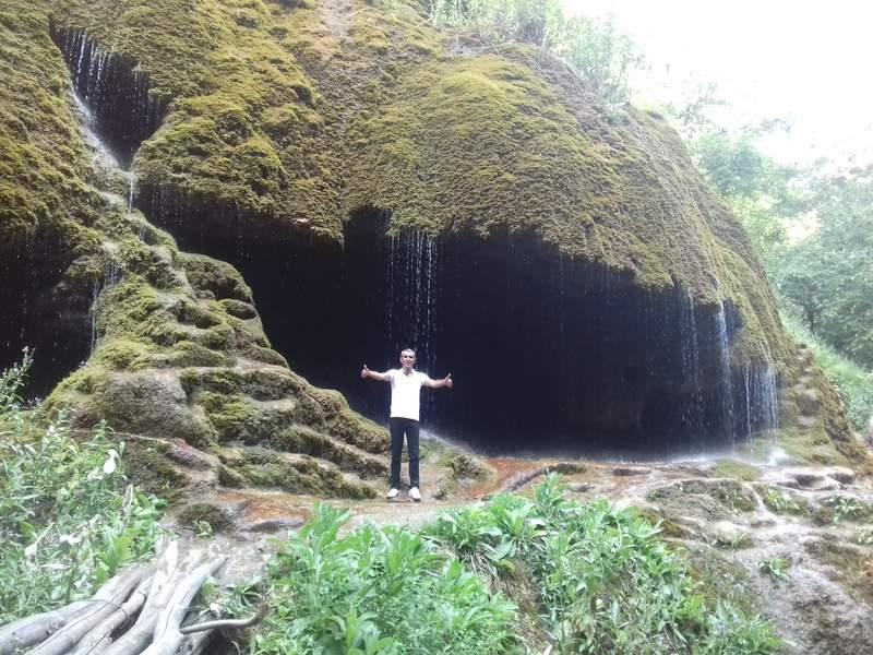 зонтики Арцах водопад