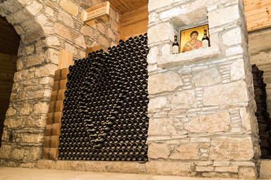 Погреб винодельни