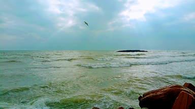 Вид на Каспийское море в рыбном ресторане
